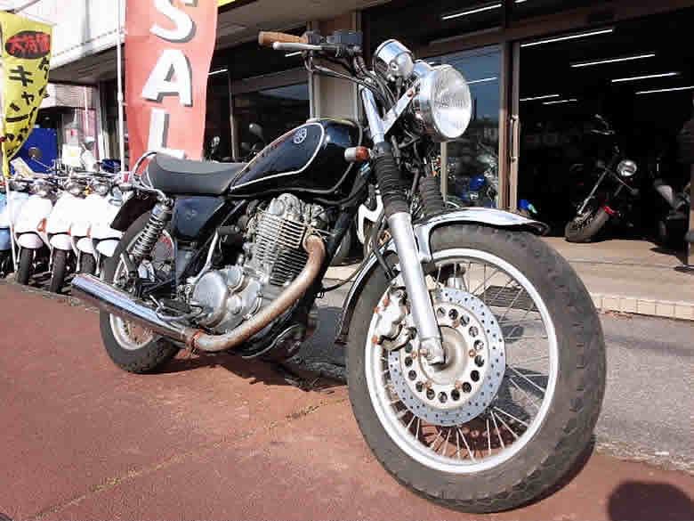 ヤマハ SR400 中古車 ブラック 走行距離34,982km カスタム(ヘッドライト+ウインカー) ディスクブレーキ 空冷4サイク