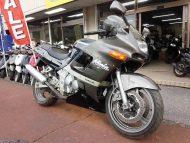 売約済 カワサキ ZZR400 N型 中古車 黒&ガンメタ 走行距離10,328km 水冷4サイクル4気筒エンジン